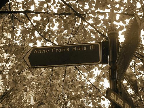 Cartel indicador de la casa-museo ANA FRANK