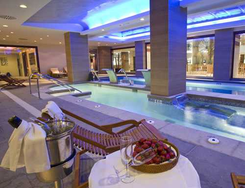 Hotel Holiday Polinesia 4* (Benalmadena)