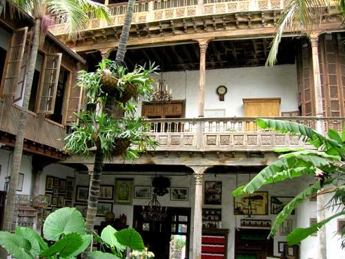 Casas de los Balcones