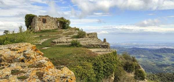 Pueblos misteriosos en España