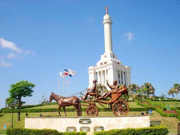 monumento-heroes-restauracion-quehoteles