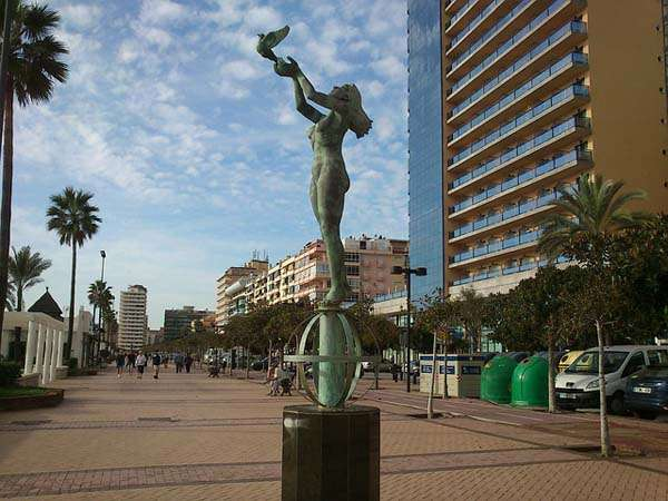 Monumento al turista en Fuengirola