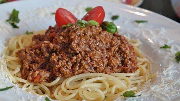 Spaguettis a la boloñesa