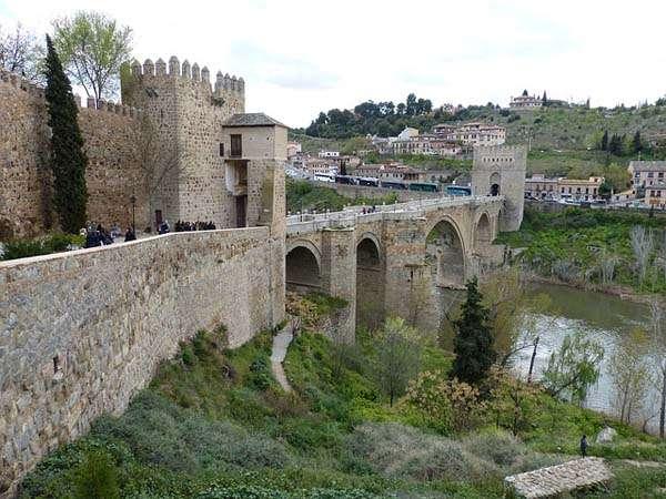 Puente-de-San-Martín-en-Toledo