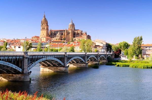 Salamanca desde el puente y el rio