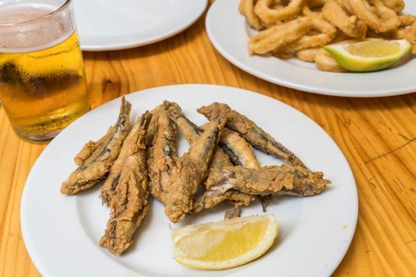 Pescaíto frito- tapeo en Granada